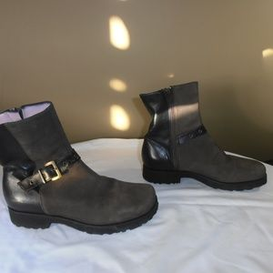 Taryn Rose brown super soft leather ankle boots
